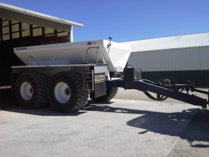 16 ft New Leader L3220 G4 on Duo Lift Trailer              50,000 GVWR, PTO Drive, 850/50R 30.5  16 ply tires